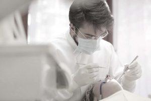 תביעה נגד רופא שיניים
