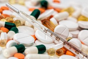 antibiotic-capsules-close-up-139398